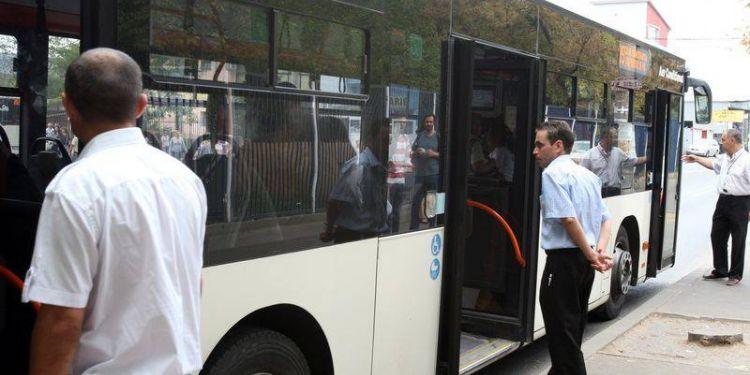 Ce NU au voie să-ţi facă controlorii companiilor de transport public şi ce drepturi ai