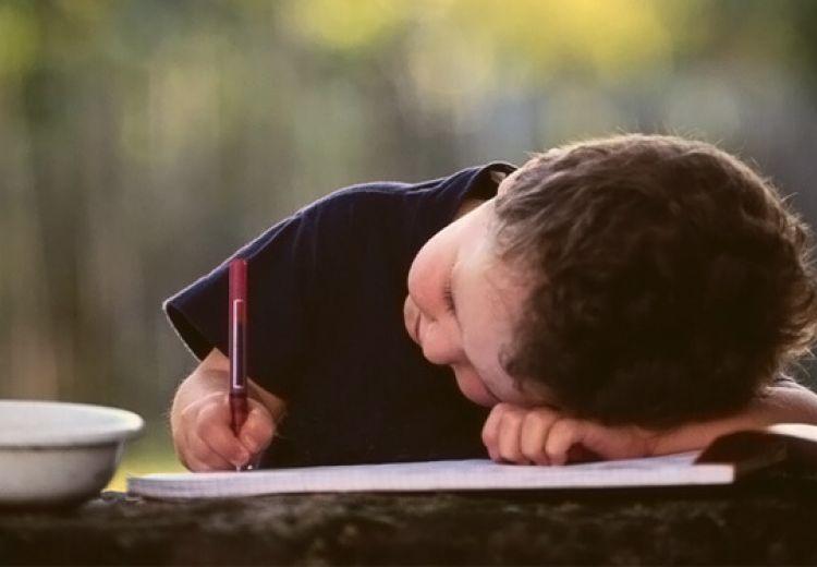 Cum arătau în copilărie câțiva autori români celebri?