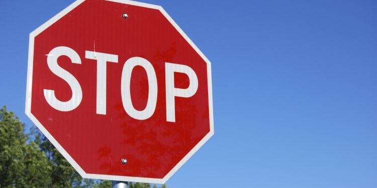 """A stopa"" sau ""a estompa""?"